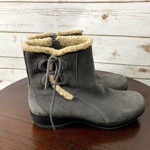 Clarks gray suede boots booties 9.5W zip side